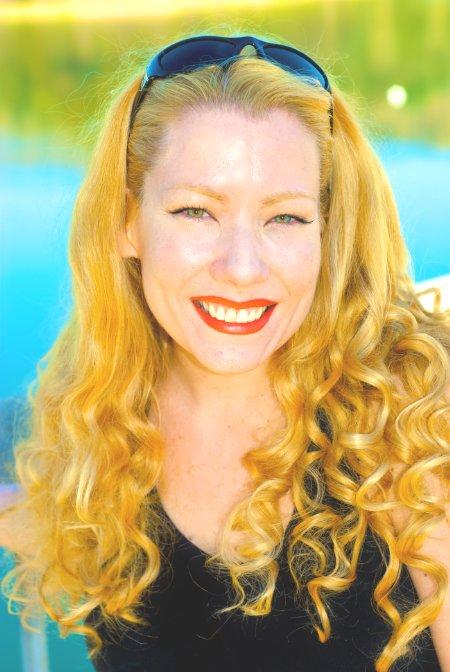 Kari_Nissena_Actress_Smiley